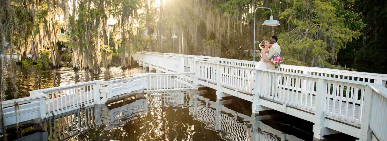 Contact Paradise Cove, an idyllic Orlando beach wedding venue on the shores of Lake Bryan. A fairy tale wedding to fit your vision & budget. Schedule a tour today. Discover our boho, romantic waterfront wedding venue, minutes from Disney.